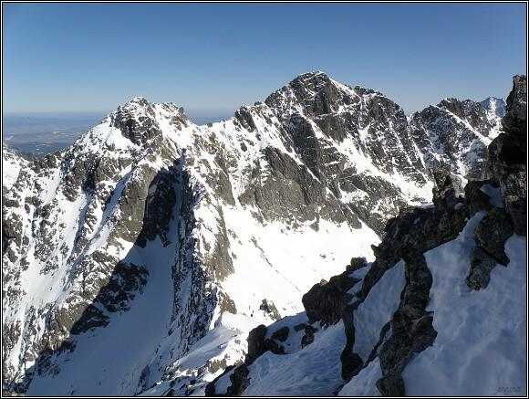 Vysoké Tatry, Kôprovský štít. Pohled na Čubrinu a Mengušovské štíty