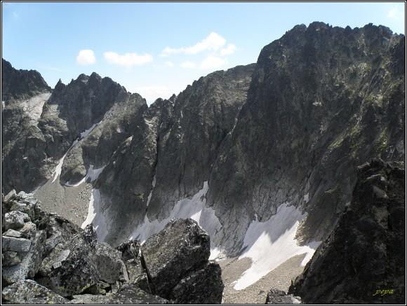 Baranie sedlo (poněkud skryté, nejnižší místo horského hřbetu)