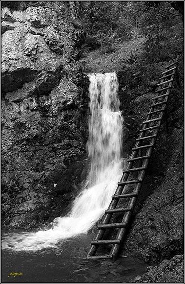 Chočské vrchy. Kvačianska dolina, Ráztocký vodopád