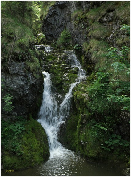 Chočské vrchy. Kvačianska dolina, bezejmenný vodopád