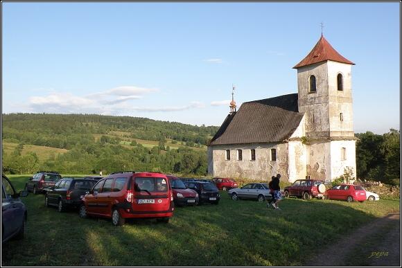 Vrchní Orlice. Kostel sv. Jana Nepomuckého. O koncert byl velký zájem...
