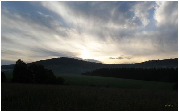 Svítání v Orlických horách