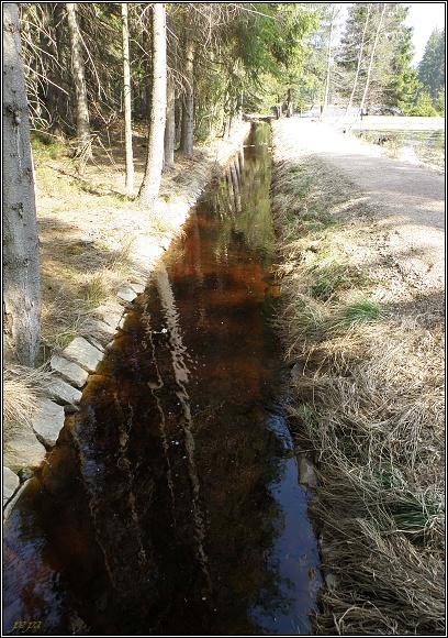 Dlouhá stoka pod Kladským rybníkem