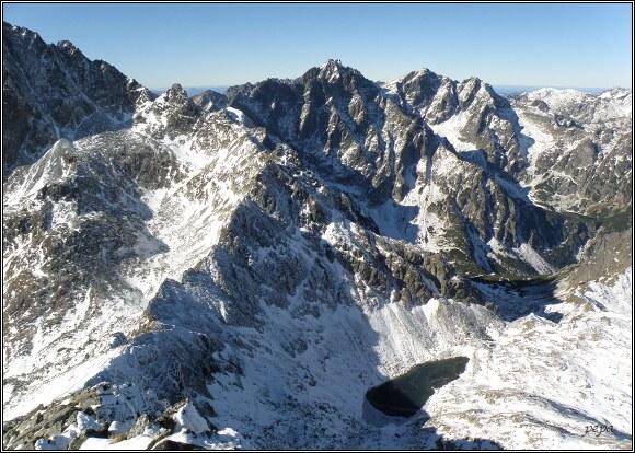 Vysoké Tatry. Východná Vysoká, pohled na Vysokou a Rysy