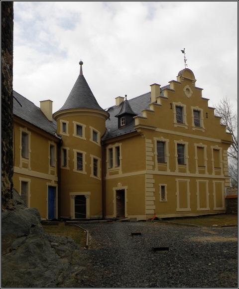 Hrad ve Starém Hrozňatově (2011)