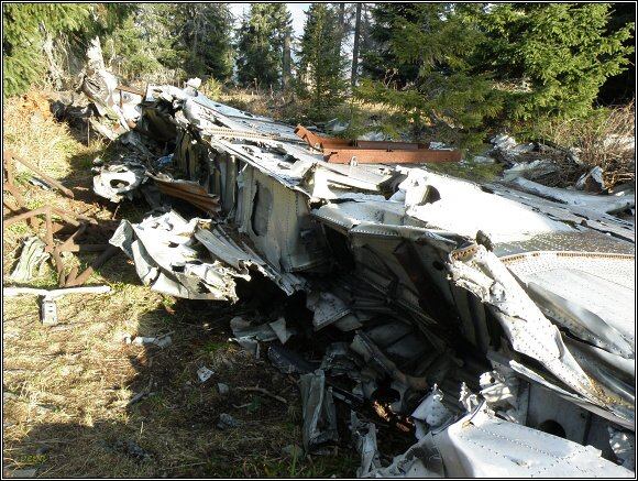 Nízké Tatry. Slemä. Zbytky havarovaného sovětského letadla z období SNP