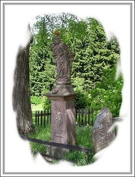 V Šumburku pod lípou stávala socha...