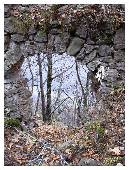 Muránsky hrad. Tajné Bašovy dveře