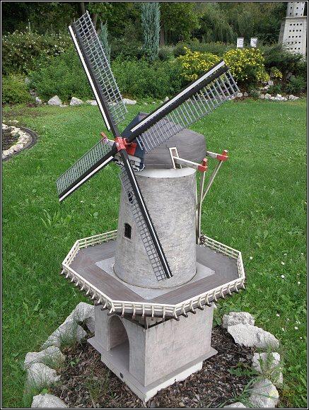 Miniuni Ostrava. Kinderdijk, větrné mlýny