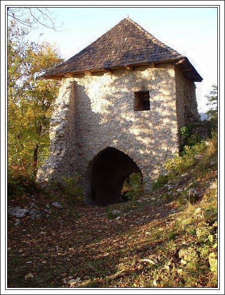 Muránsky hrad. Vstupní brána