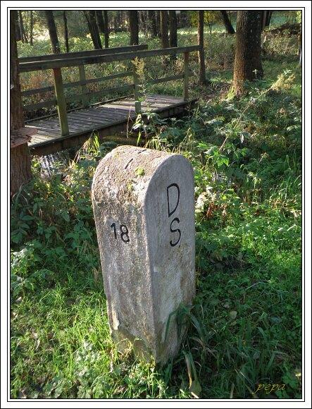Hraniční mezník označující území Saska
