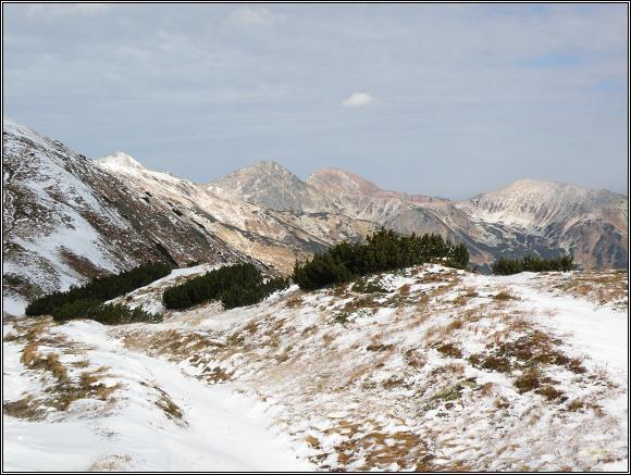 Západní Tatry. Závěr Jamnickej doliny z Baranca