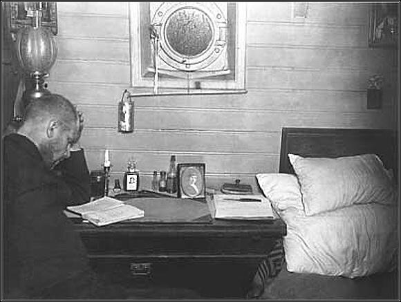 Georgij Jakovlevič Sedov na palubě Sv. Foky