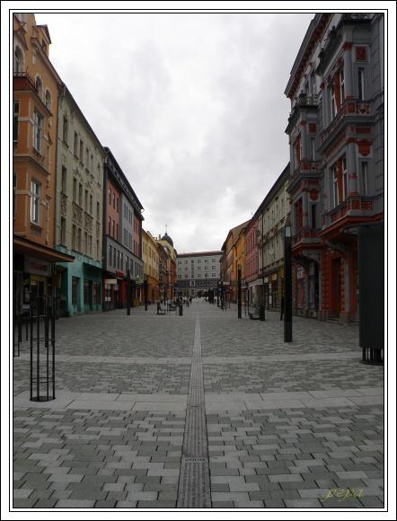 Cheb. Nově vybudovaná pěší zóna na třídě Svobody