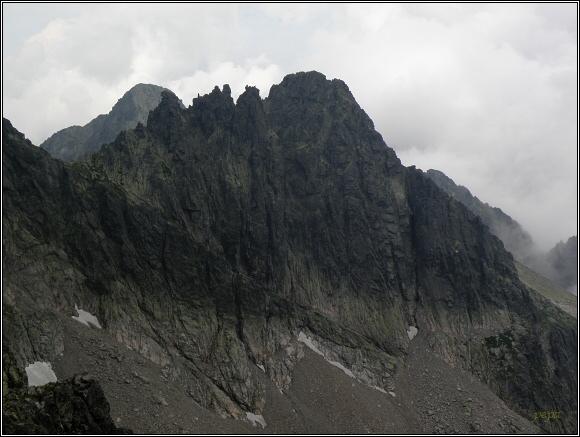 Vysoké Tatry. Baranie rohy, pohled ke Kolovému a Čiernemu štítu