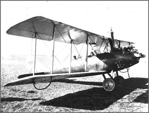 Curtiss Oriole (Kristina měla místo klasického podvozku lyže)
