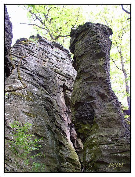 Cerová vrchovina, Belinské skaly