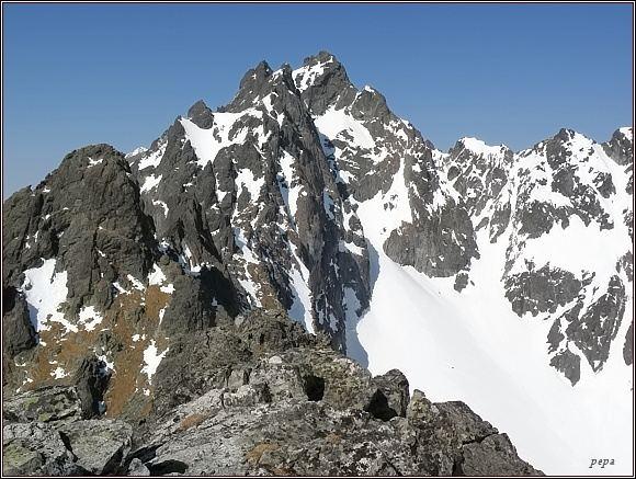 Velické Granáty z Dvojitej veže (v pozadí Bradavica)
