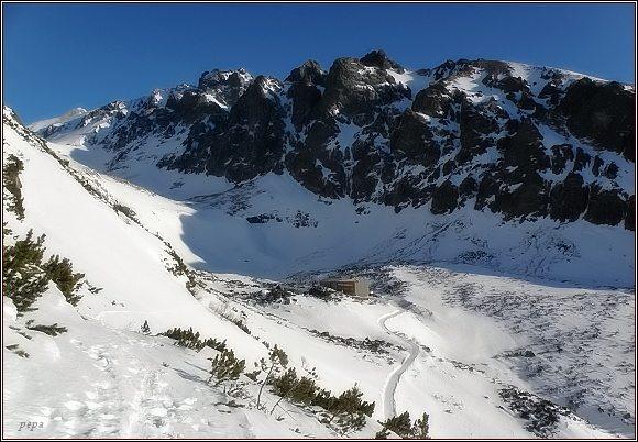 Hrebeň Velických Granátov nad Velickou dolinou (Velická kopa vpravo)