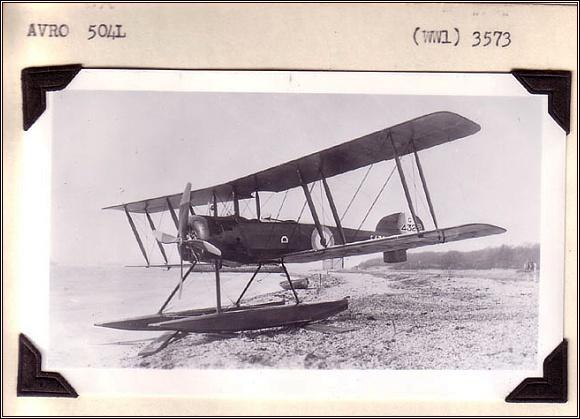 Avro 504L. Stroj velmi podobný Binneyovu letounu