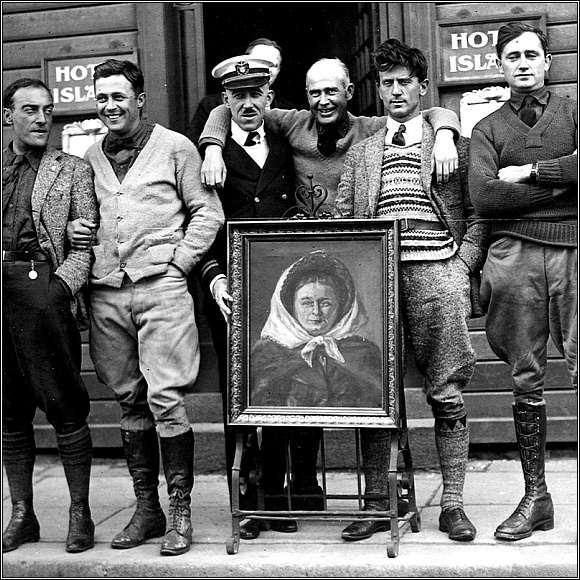 Setkání Američanů a Italů v Reykjavíku. Zleva: Tullio Crosio, John Harding, dr. Summer z lodi Richmond, Erik Nelson, Antonio Locatelli a Lowell Smith