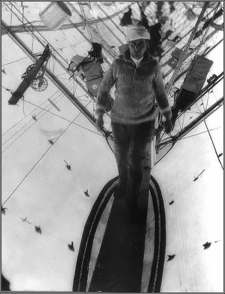 Umberto Nobile na palubě Norge