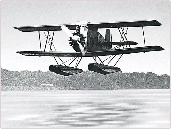 Stinson - Detroiter-SB-1