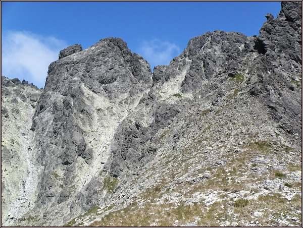 Bradavica (vlevo) a Rohatá veža nad Granátovou lávkou