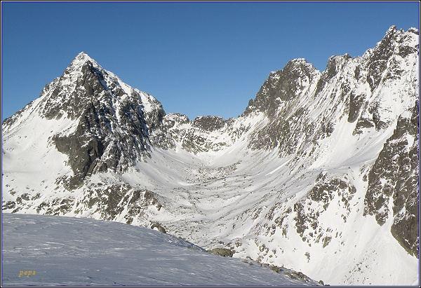 Rumanova dolina od Lúčneho sedla. Vpravo Ganek, Rumanov štít a Zlobivá