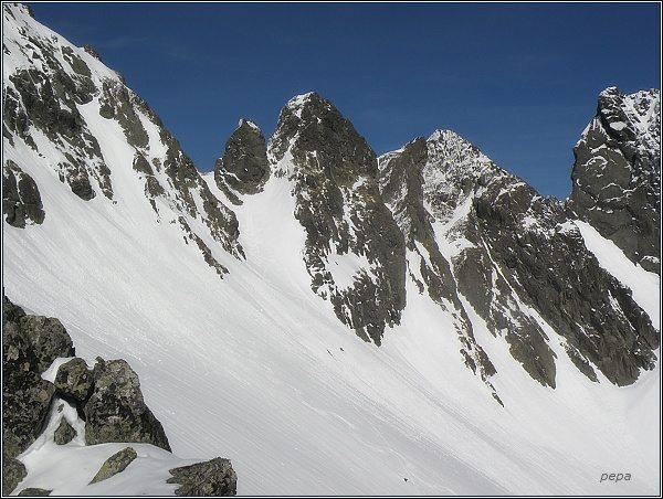 Snežné kopy od Strážneho sedla