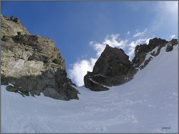 Západná Železná brána, napravo Malá a Prostredná Snežná kopa