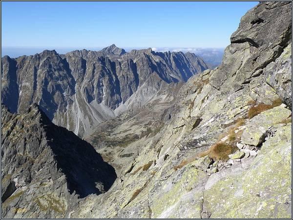Mengusovská dolina a hrebeň Bášt z úbočí Ťažkého štítu