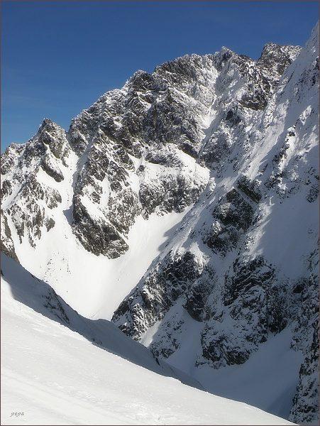 Pohled z Východnej Železnej brány do Kačacej doliny a k masívu Gerlachu