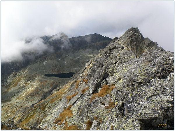 Na Štrbskom Solisku. Pohled do Furkotskej doliny na Niž. Wahlenbergovo pleso. V pozadí Ostrá a Krátka