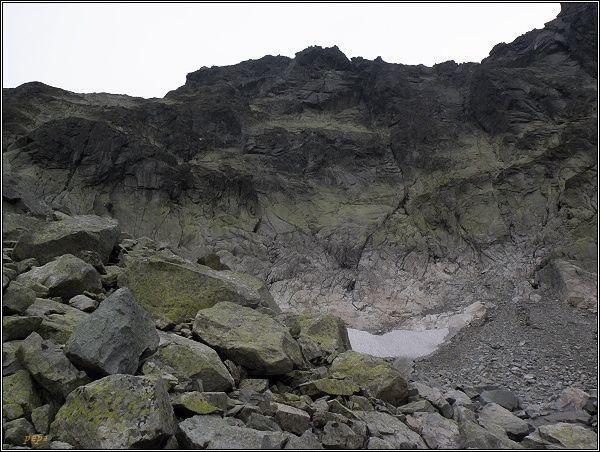 Popradský Ľadový štít nad Batizovskou dolinou