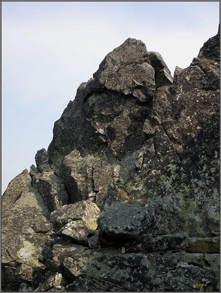 Východný Železný štít, vrcholová pyramida