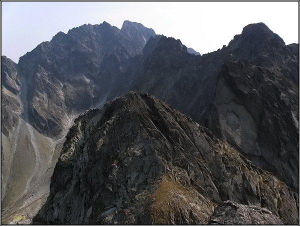 Hrubá Snežná kopa (v popředí) z Prostrednej Sneznej kopy