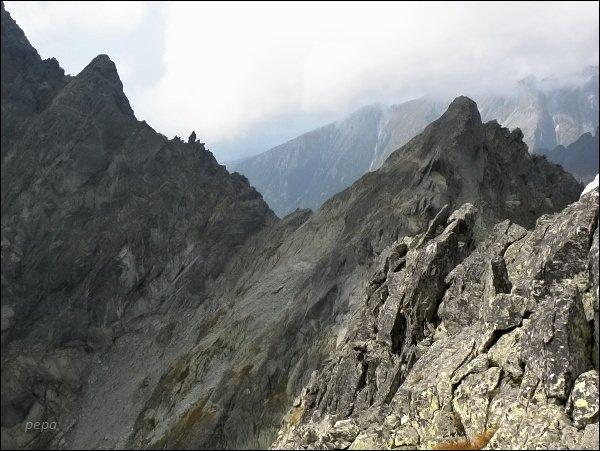 Drúk (vlevo), Sedlo pod Drúkom a Popradský Ľadový štít