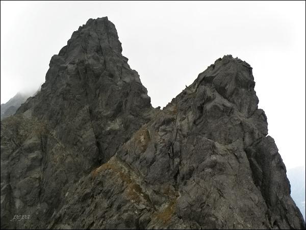 Veža nad Ľadovým plesom a Malá Končistá (vlevo) z Drúku