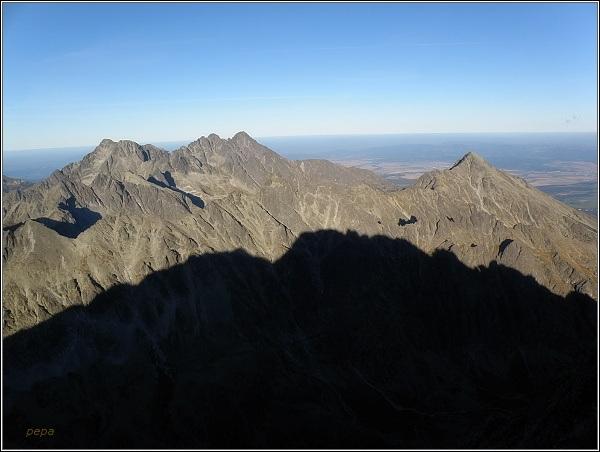 Ľadové štíty (vlevo) z Gerlachovského štítu