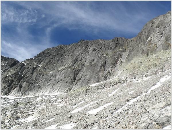 Jihovýchodní stěna Ľadového štítu nad Malou Studenou dolinou