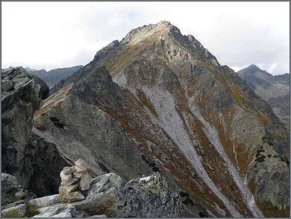 Predné Solisko (vrchol), Soliskový hrb a Mlynické Solisko