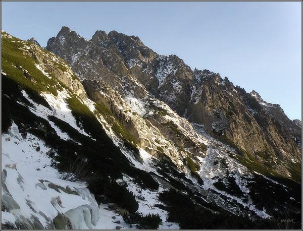 Veľká Studená dolina. Prostredný hrot a Žltá veža