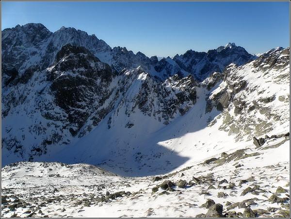 Pohled ze Svišťového štítu k západu. Vlevo Gerlachovský šť. a Zadný Gerlach, vpravo na horizontu Vysoká