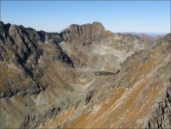 Závěr Mlynickej doliny z Prednej Bašty. V pozadí Furkotský štít a Triumetal