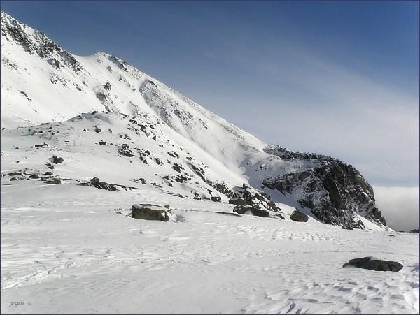 Patria je ve skutečnosti nenápadným vrcholem v Hrebeni Bášt