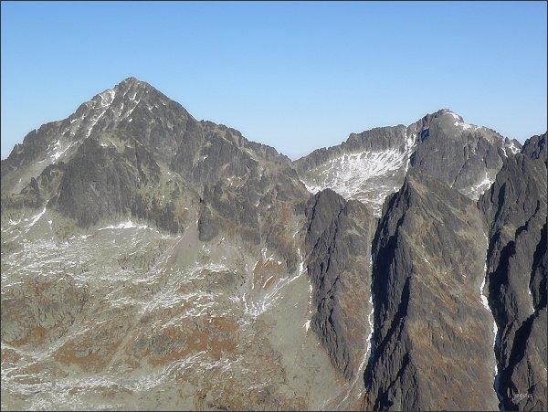 Ľadový štít a Baranie rohy (vpravo) ze Slavkovského štítu
