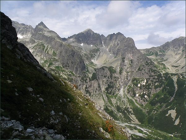 Čierny štít, Kolový štít, Karbunkulový hrebeň a Jastrabia veža z Nemeckého rebríka
