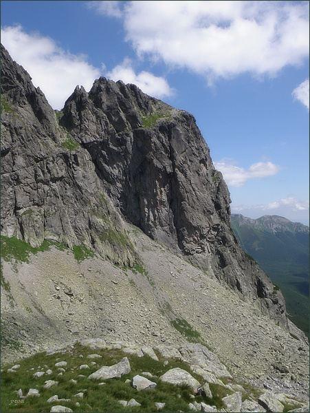 Jastrabia veža  (jihozápadní stěna) nad Malou Zmrzlou dolinou