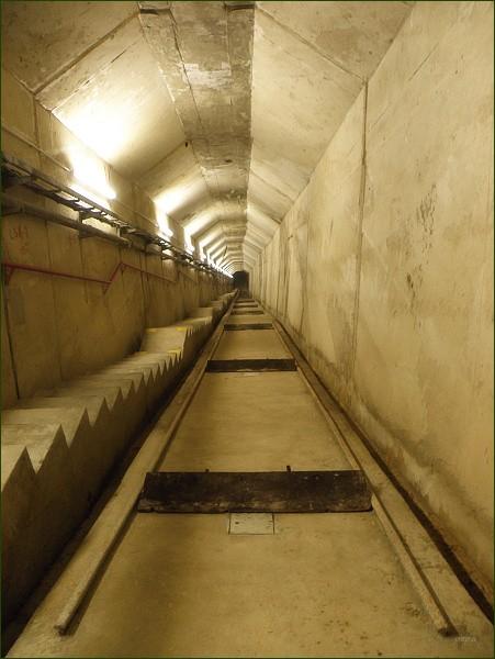 Boskovická přehrada, manipulační šachta v tělese hráze